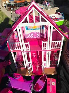 Solander Garage Sale - Barbie Toys Shell Cove Shellharbour Area Preview