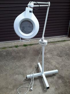 Salon magnifying lamp on castors with light (cantena) as new! Sans Souci Rockdale Area Preview
