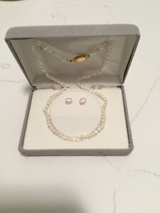 """""""Freshwater Pearl Necklace and Bracelet """"NEW"""" in box,"""