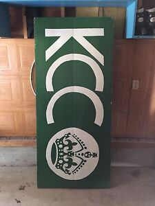 Chive beer pong table