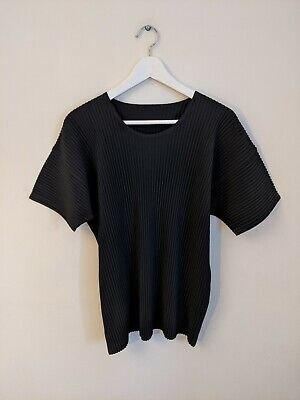 HOMME PLISSÉ ISSEY MIYAKE Crew-neck technical pleated-jersey T-shirt Size 3