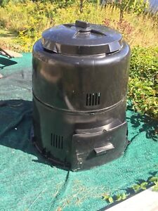 Never used composter
