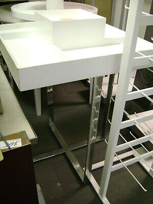 Retail Square Compartment Table White Display Merchandsier Table