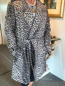 Women's Trench style coat St Leonards Willoughby Area Preview