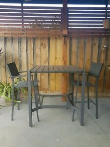 Outdoor Setting 2 Chairs & Table