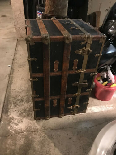 ANTIQUE FLAT TOP STEAMER TRUNK STAGE COACH CHEST RESTORED NICE INTERIOR 1800