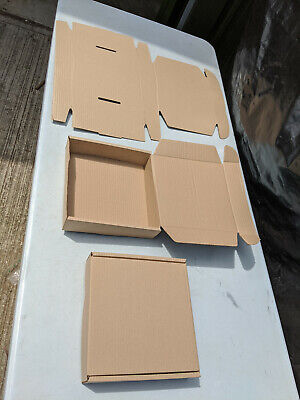 pack of 40 250x250x60 one piece cardboard mailing boxes with tuck in flaps