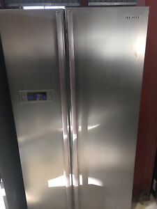 Samsung 600Ltr stainless steel side by side with WARRANTY Forest Glen Maroochydore Area Preview