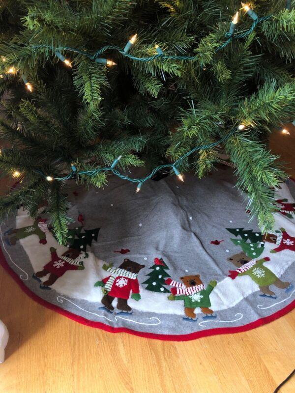 "Crate & Barrel Skating Holiday Bears Christmas Tree Skirt 52"" New Beige Felt"
