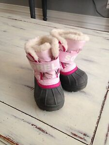 Sorels size 5 toddler