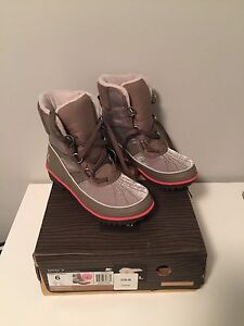 Sorel boots size 6 for winter