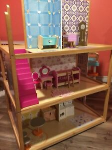 Maison de barbie double côté