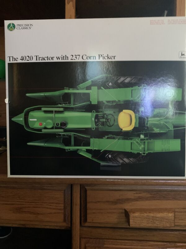Ertl John Deere Precision Clasics 4020 Tractor