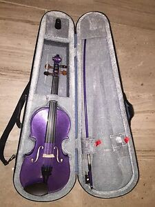 1/2 purple violin