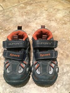 Running shoes - toddler size 5