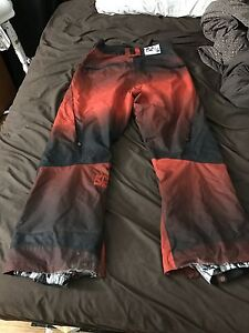 Men's large Rome SDS snowboard oants London Ontario image 1