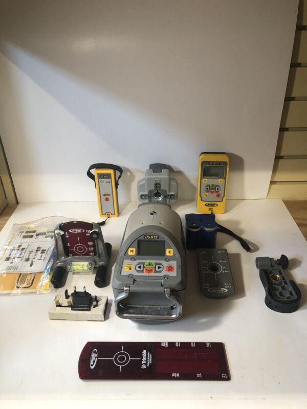 Spectra Precision DG813 Laser Self Leveling Pipe Laser w/ Spot Finder Kit