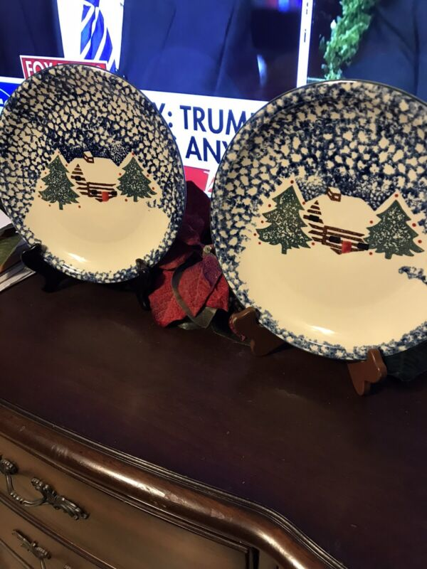 2USED BLUE SPONGE FOLK CRAFT TIENSHAN CHRISTMAS CABIN IN THE SNOW DINNER PLATES