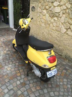 Italian Made Yellow Vespa LX50 Mosman Park Cottesloe Area Preview