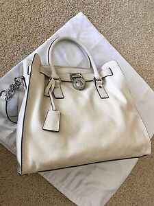 ca3aae0afd36 ... mk chain , seldom used , Dove white . Clean inside and out , dust bag  included . Michael Kors Hamilton - Rare Vanilla and Silver Hardware