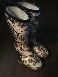 Girl's / women's rain boots size 7 ladies