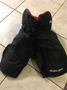 Youth Bauer hockey pants (age 4-7)