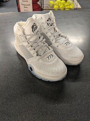 D Rose 773 IV Adidas Basketball shoe