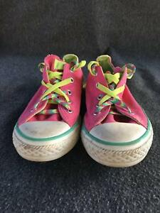 Girls pink converse all star shoes - Size US 3