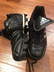 Adidas baseball cleats size US 1