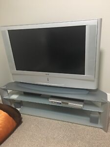 """50"""" Sony tv and set"""