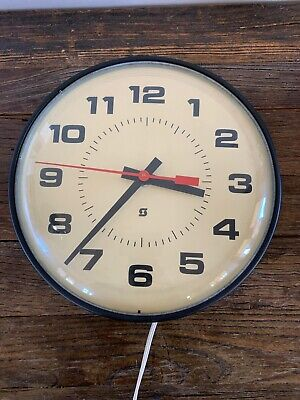 """VINTAGE 14"""" SIMPLEX ELECTRIC SCHOOL WALL CLOCK MODEL 2310 GLASS FRONT"""
