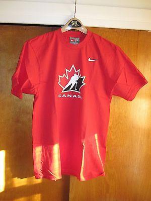NEW Nike Hockey Canada T Shirt size Medium