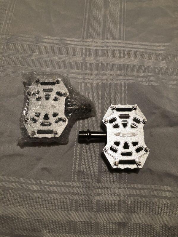 NOS Silver GT Spider 9/16 BMX Alloy Platform Pedals