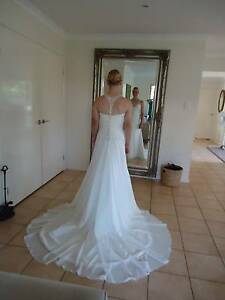 Ladies wedding dress Geebung Brisbane North East Preview