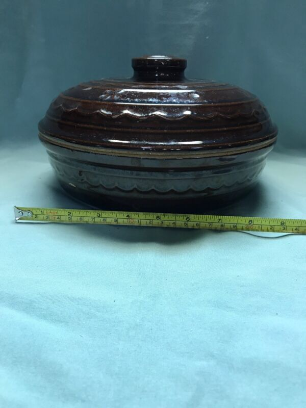 Marcrest Daisy Dot Stoneware 64 oz Dutch Oven (RARE) complete with Lid