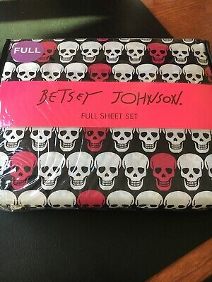 BETSEY JOHNSON PINK & WHITE SKULLS ON BLACK FULL SIZE SHEET SET 4 PIECES NEW (Pink Sheet Set Full)