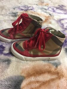 Burberry kids shoes $40