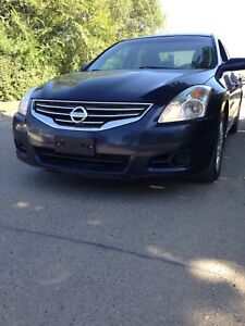 2011 Nissan Altima 2.5 S special edition new safety