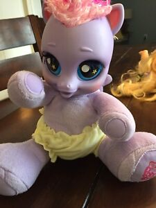 My Little Pony - lights up and sings