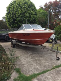 Fibreglass 17ft Caribbean boat with 90hp evenrude