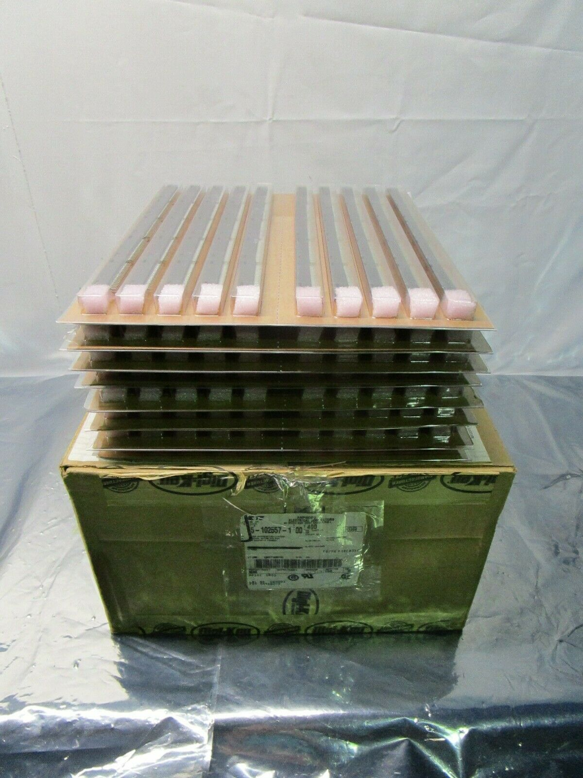 1 Lot of 400 TE Connectivity 5-102557-1 Headers & Wire Housings HDR VT, 102594