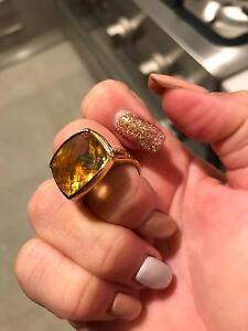 9ct gold citron ring. Wagga Wagga Wagga Wagga City Preview