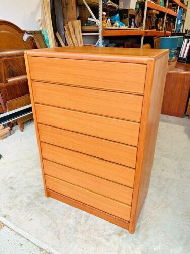 Beautiful Mid Century Danish Modern Teak Highboy Dresser Chest W/ 7 Drawers