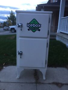 Antique icebox us and refrigerator