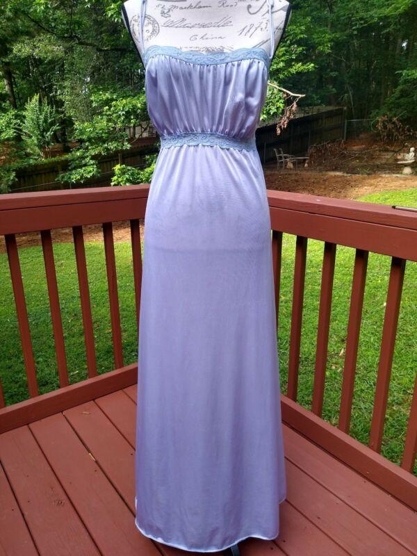 VTG Olga Medium Stretch Lace Rare BOHO Negligee Nightgown Empire Lavender