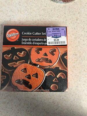Halloween Cookie Cutters Wilton (Wilton Pumpkin Jack O Lantern 5 PIece Metal Cookie Cutter Set Halloween)