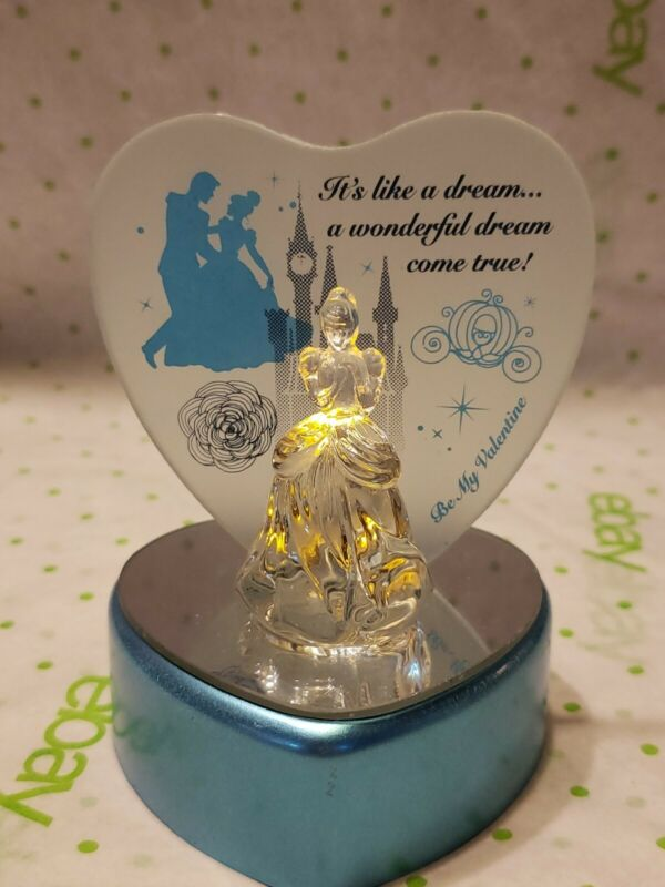 """Cinderella 4"""" Color Changing Light Up Heart """"Its A Wonderful Dream Come True"""""""