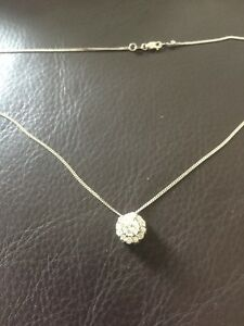Diamond pendant Centre stone .64 ct VS2 engagement wedding OBO