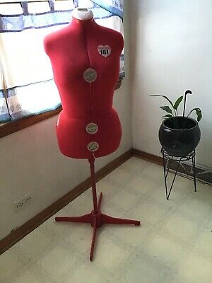 Singer 151 Adjustable Dress Form Mannequin Mediumlarge Red.