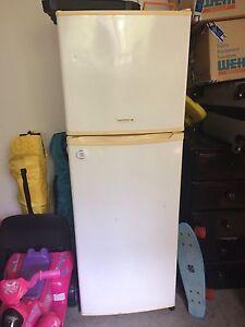 Kelvinator fridge freezer Kariong Gosford Area Preview